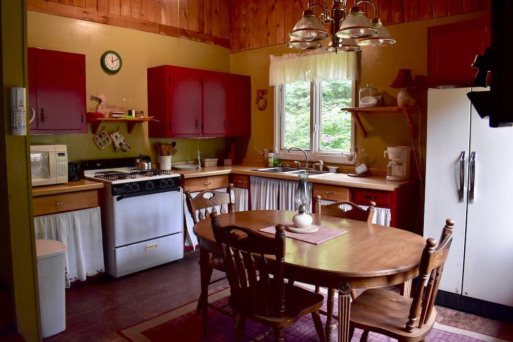okontoe guest house kitchen